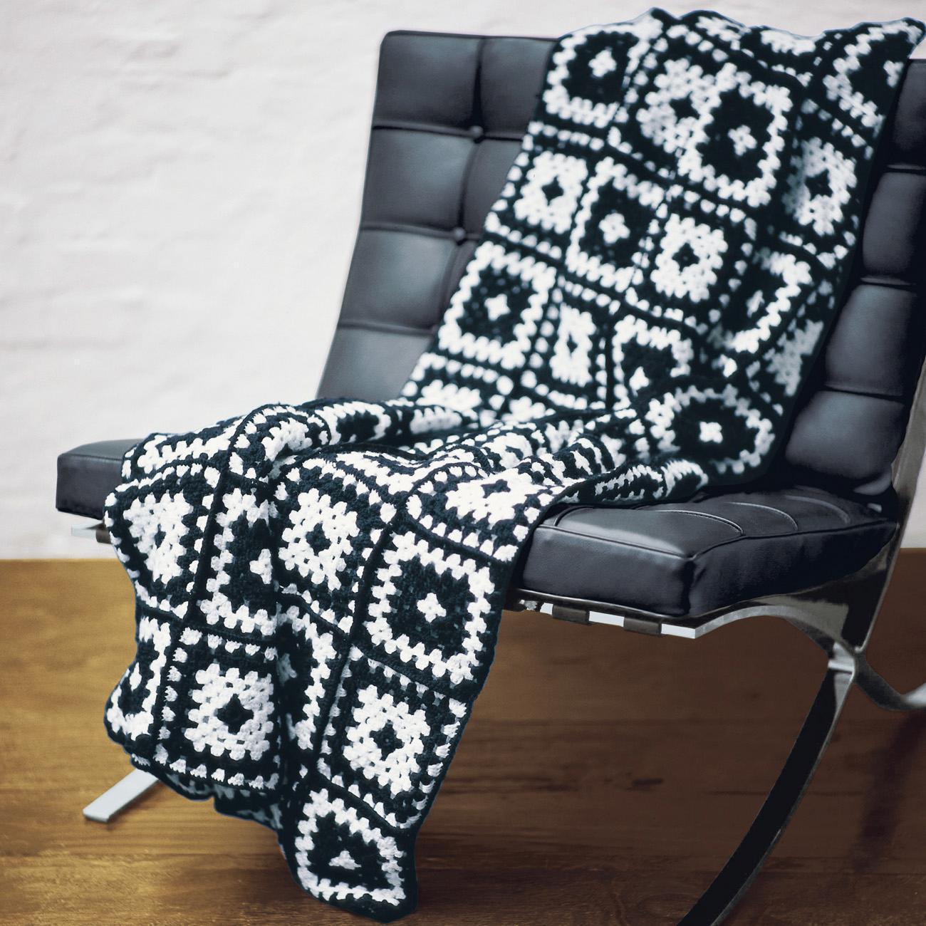 modell 192 7 geh kelte patchworkdecke aus poco von junghans wolle sch nes f r zuhause. Black Bedroom Furniture Sets. Home Design Ideas