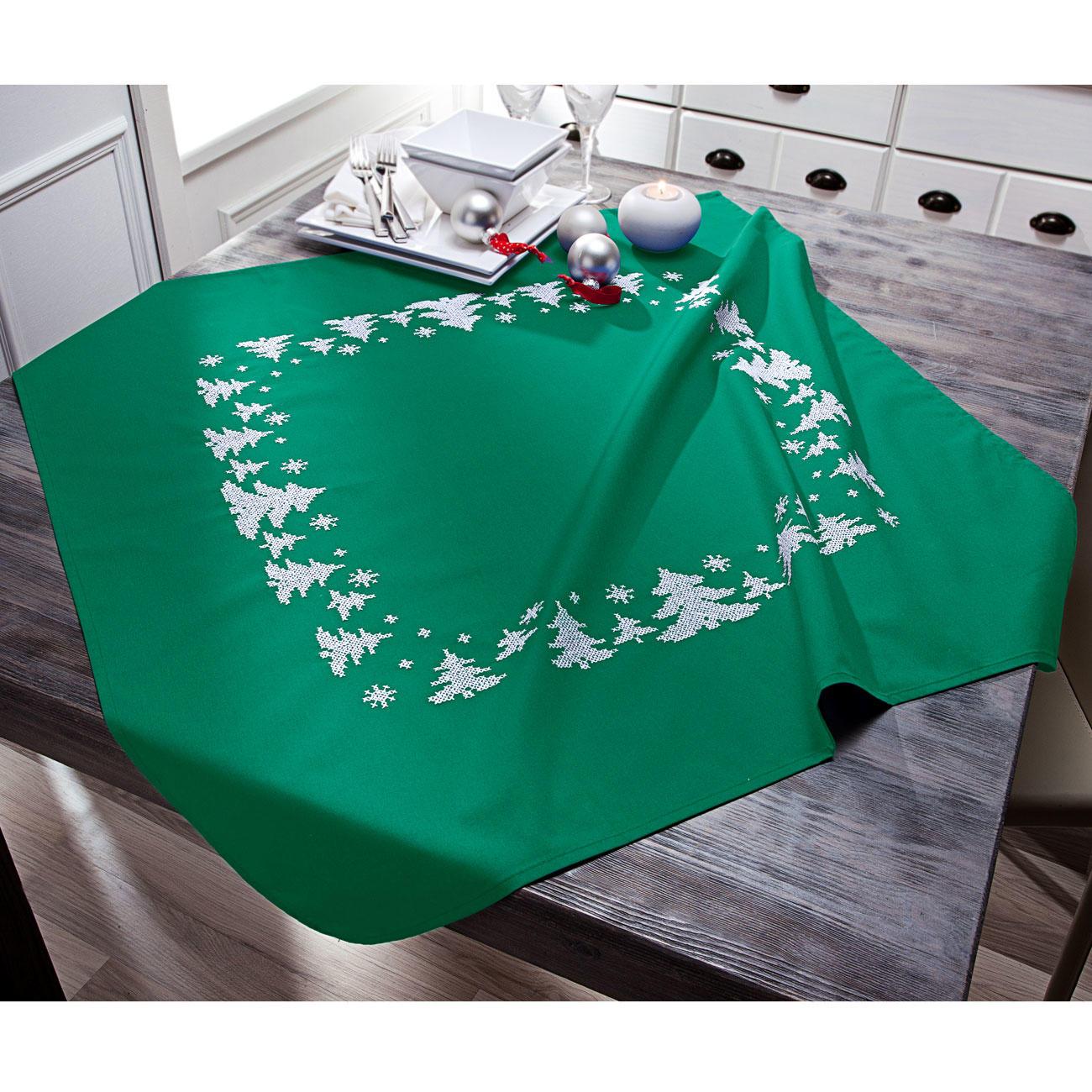 tischdecke winterwald gr n. Black Bedroom Furniture Sets. Home Design Ideas