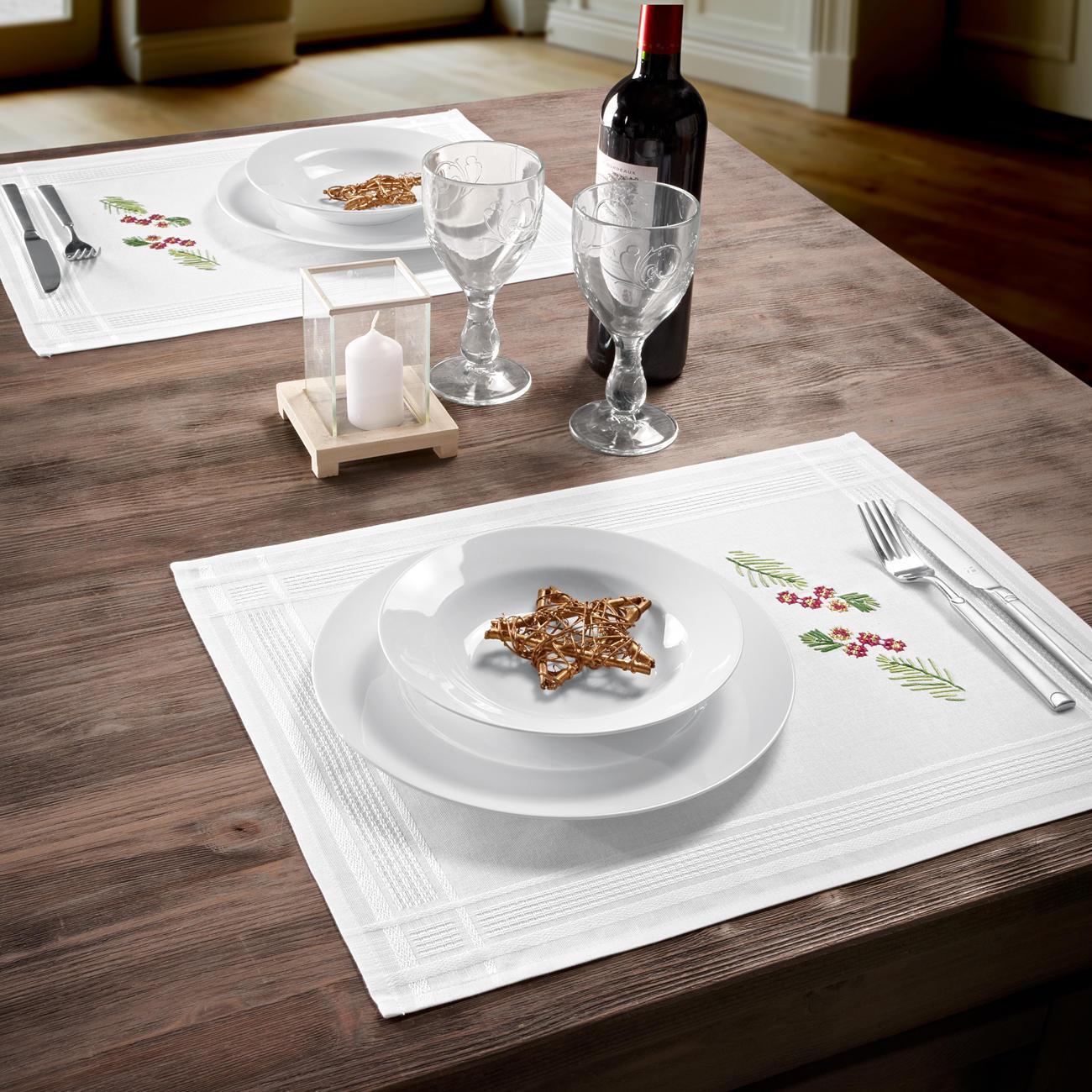 tischw sche mit eingewebtem zierrand weihnachten f r. Black Bedroom Furniture Sets. Home Design Ideas