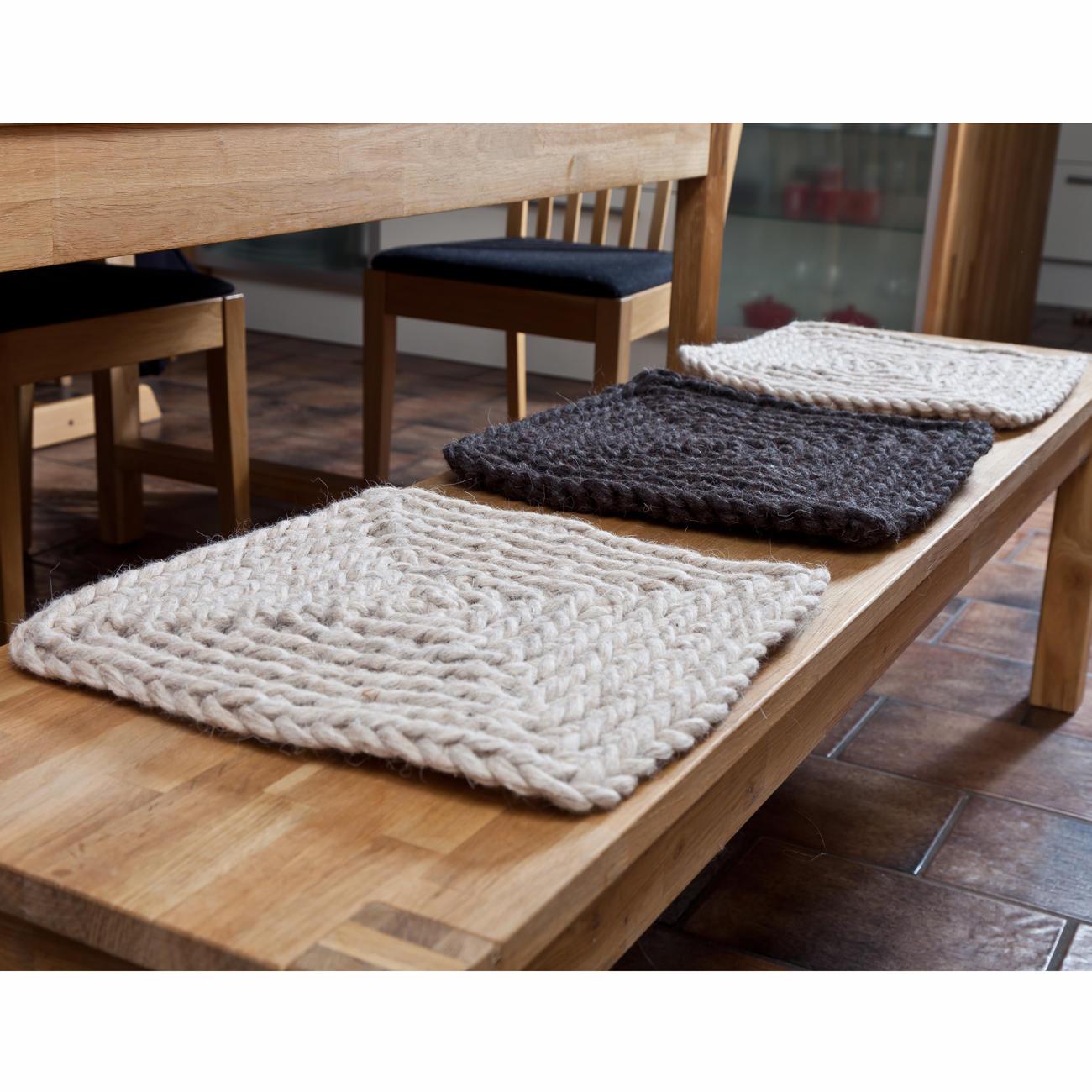 sitzunterlage 3er set 2 versch farben. Black Bedroom Furniture Sets. Home Design Ideas
