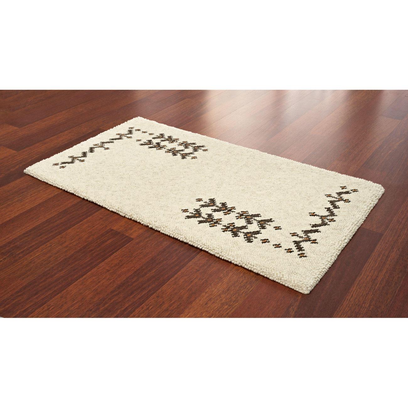 teppich tubu naturfarbene berberteppiche berber teppiche kn pfen im junghans wolle. Black Bedroom Furniture Sets. Home Design Ideas