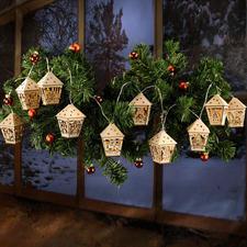 Fenstergirlande aus Holz Bereits fertige Dekorationen aus Holz.