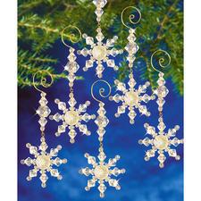 8 Schneekristallhänger im Set, 5 x 10 cm Glamouröser Perlen-Weihnachtsschmuck – in Komplettpackungen zum kreativen Selbermachen.