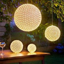 "LED-Ball ""Kirschblüten"" Ein warm leuchtendes Blütenmeer – aus bis zu Hunderten winziger LEDs."