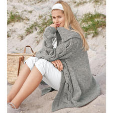 Anleitung 115/9, Leicht ausgestellte Jacke mit angenähten Blenden aus Clou von Junghans-Wolle