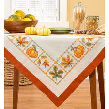 "Halbleinen-Tischdecke ""Pumpkins"" Stickideen in warmen Herbstfarben"