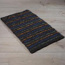 Häkelteppiche und Fußmatten in beliebter Dochtgarnqualität. Häkelteppiche und- Fußmatten in beliebter Dochtgarnqualität.