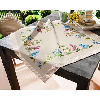 Tischdecke mit Karorand.