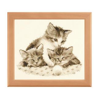 Verspielte Katzen, Stickbild Warme Sepia-Töne