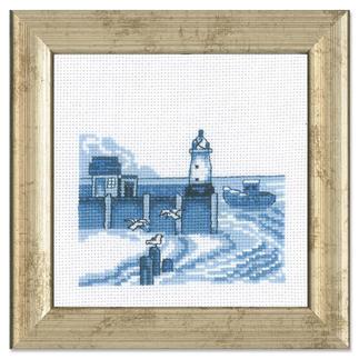 Miniatur-Stickbild - Leuchtturm Stickereien in Blau-Weiß – luftig frisch und dennoch zeitlos klassisch.