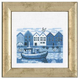 Miniatur-Stickbild - Hafen Stickereien in Blau-Weiß – luftig frisch und dennoch zeitlos klassisch.