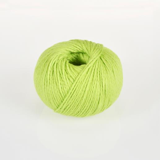 Fluffina von Junghans-Wolle Unbeschreiblich weich und federleicht in voluminöser Kettkonstruktion.