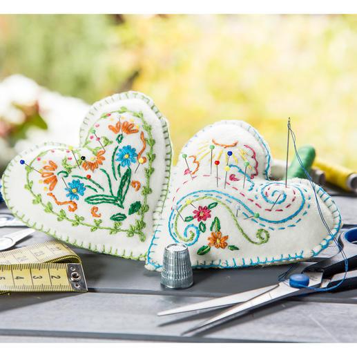 2 Nadelkissen - Florale Herzen im Set
